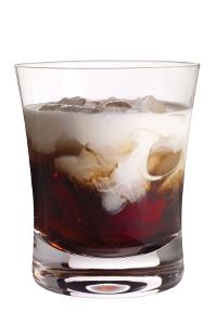 Рецепт коктейля Белый русский (White Russian cocktail)