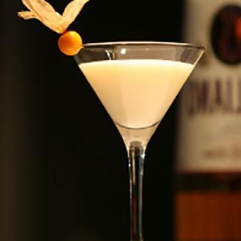 Рецепт коктейля Золотой Кадиллак (Golden Cadillac cocktail)