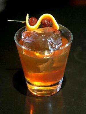 Коктейль с мартини Роб Рой (Rob Roy cocktail)