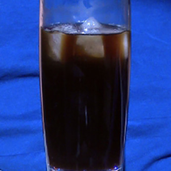Коктейль с ромом Бакарди Черная роза (Black rose cocktail)