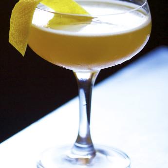 Яблочный коктейль Третий рельс