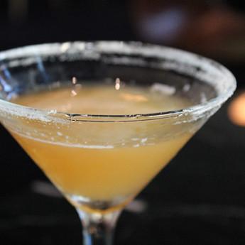 Мартини-коктейль Близость со скотчем