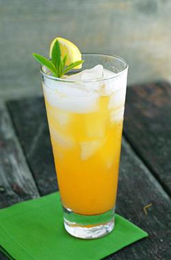 Как приготовить коктейль Белый персиковый джулеп (White Peach Julep cocktail)