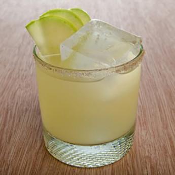 Травяной коктейль с текилой Гвадалахара (Guadalajara cocktail)