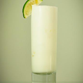 коктейль Рамос физз (Ramos Gin fizz cocktail)