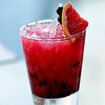 энергетический коктейль Брамбл (Bramble cocktail