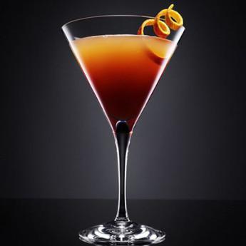 коктейль с виски Кровь и песок (Blood and sand cocktail)