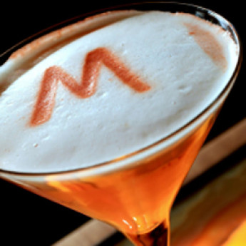 Британский коктейль с малиной Шатер (Marquee cocktail)