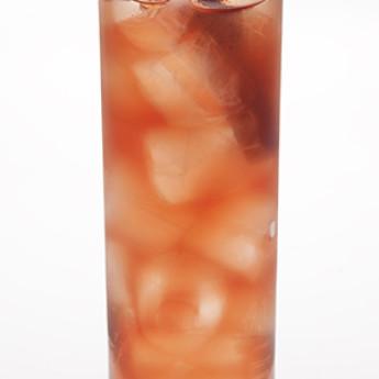 Экспериментальный коктейль на основе виски Burr Pom