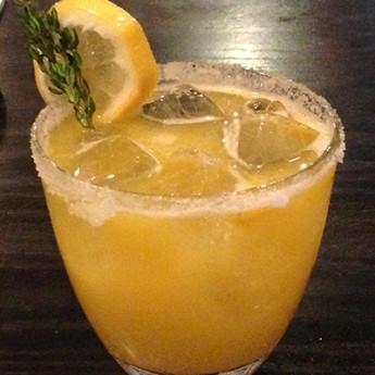 Розмариновый лимонад на основе текилы Camarena Reposado